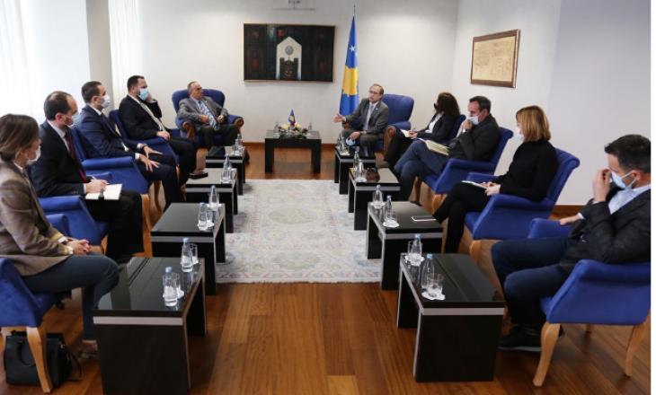 Masat anti-COVID: Kryeministri takohet me përfaqësuesit e bizneseve