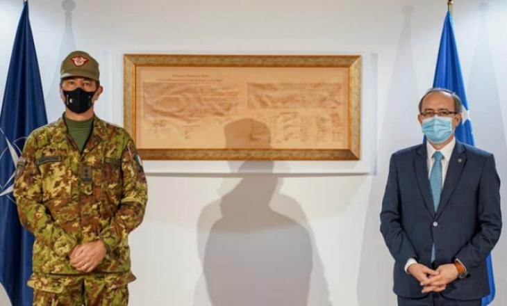 Hoti takon komandantin e ri të KFOR-it gjeneral-majorin Federici