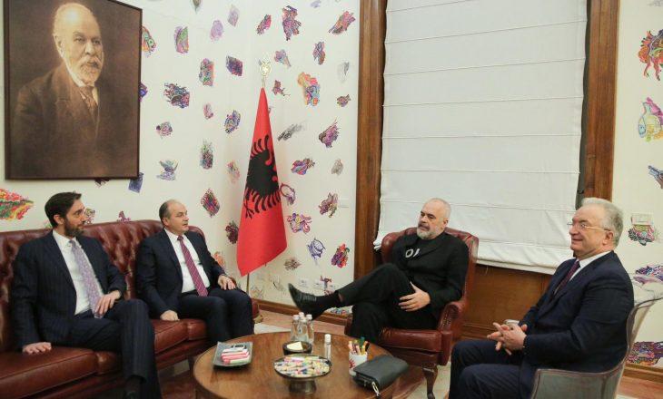 Hoxhaj në takim me Ramën: Udhëheqësit e UÇK-së po mbahen peng, njëjtë si historia e Kosovës