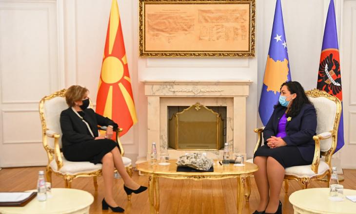 Osmani pranon letrat kredenciale të ambasadores së Maqedonisë së Veriut