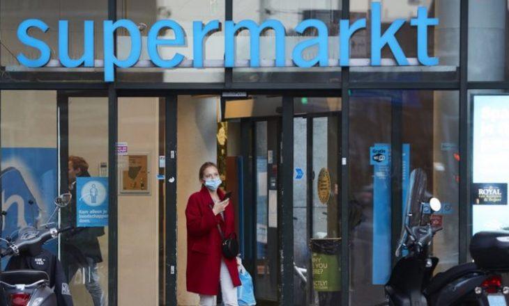 Hollanda bën obligative vendosjen e maskave në hapësira të brendshme publike