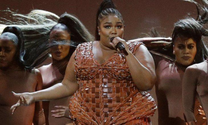 Këngëtarja aktiviste për diversitetin trupor nxit debat me postimin e një diete