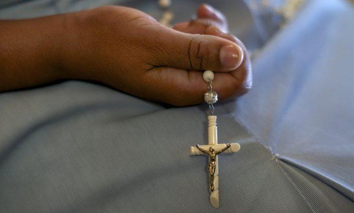 Një prift dhe një motër nderi në Indi dënohen për vrasjen e një motre 30 vite më parë