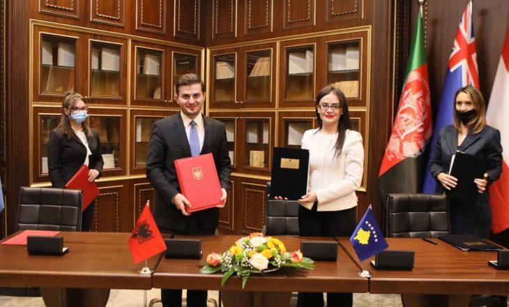 Haradinaj-Stublla dhe Cakaj nënshkruajnë marrëveshje