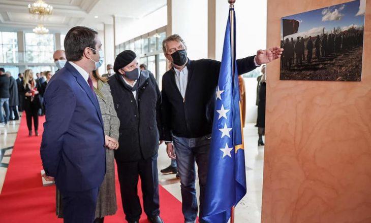Krimet e luftës dëshmohen me fotografi në Ministrinë e Drejtësisë
