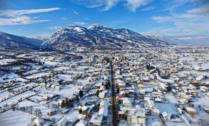 Bora dëmton rrjetin elektrik në Deçan