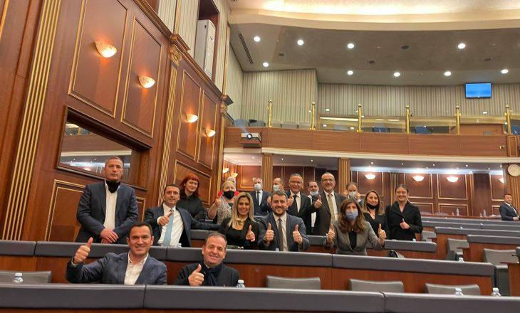 Deputetët e PDK-së pas votimit të buxhetit: Kjo s'është lamtumirë, por mirupafshim