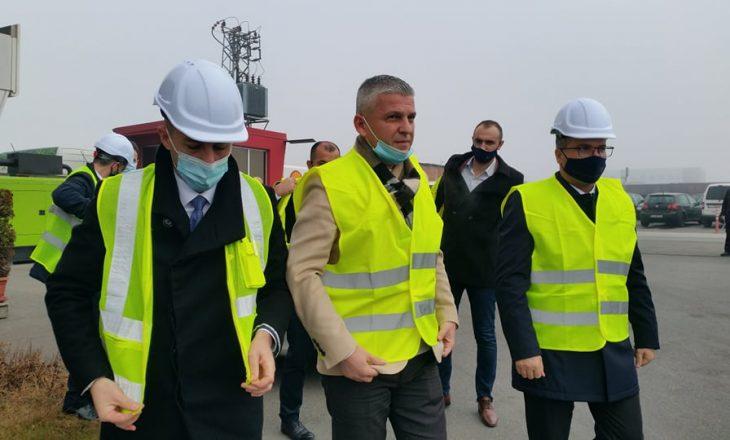 Fillon prodhimi i qeseve për mbeturina në Burgun e Sigurisë së Lartë