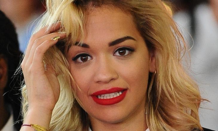Ndahen çmimet për sjelljet më të këqija për vitin 2020 – edhe Rita Ora merr një