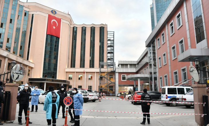 Nëntë persona humbin jetën në Turqi në repartin e COVID-19