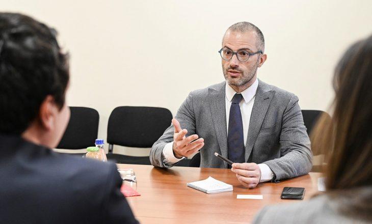 Ambasadori italian: Së shpejti do të kemi zgjedhje të lira dhe të besueshme