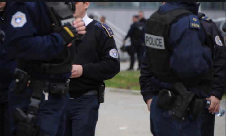 Plagoset një polic në Veternik, po përpiqej ta parandalonte një vjedhje