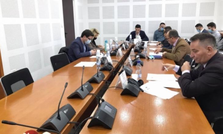 Ministri Kuçi në karantinë – dështon raportimi te Komisioni Parlamentar për Ekonomi