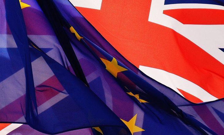 Sonte hyn në fuqi marrëveshja për Brexit