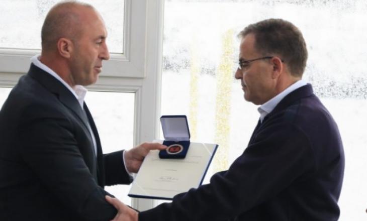 Haradinaj ndan medalje për Afrim, Ismet dhe Muhamet Shamollin