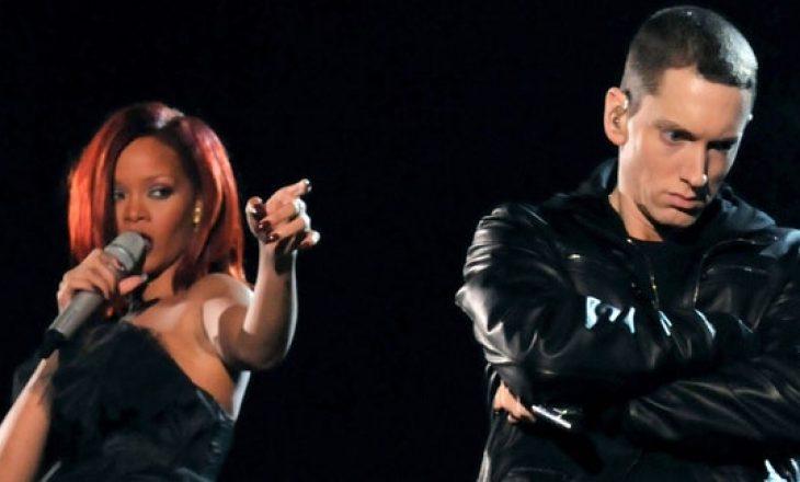 Eminem i kërkon falje Rihanna-s për një tekst të para 10 vjetëve