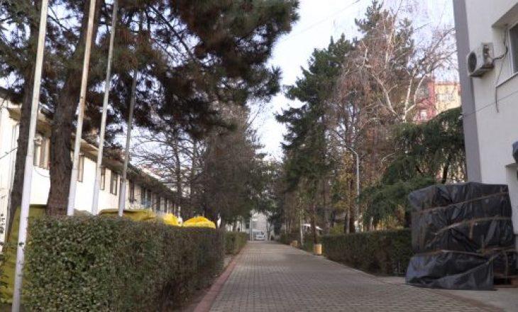 Vdes një e moshuar në Shtëpinë e Pleqve, Komuna e Prishtinës dhe BIK-u ia organizojnë varrimin
