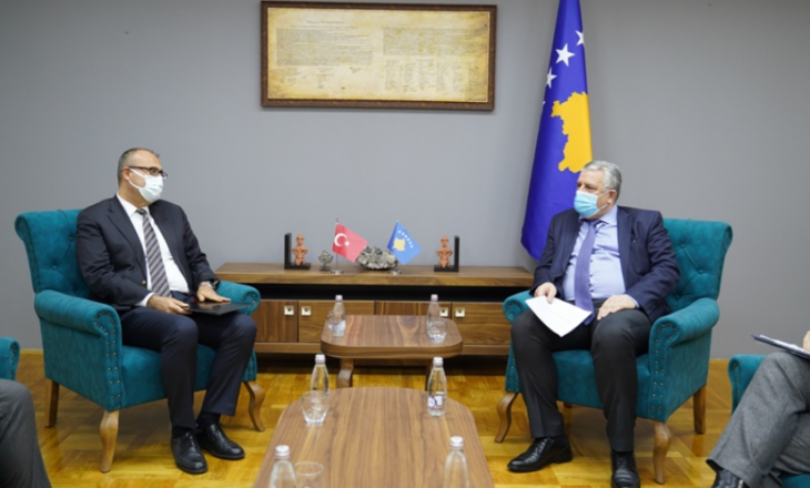 Veliu ftohet për vizitë zyrtare në Turqi