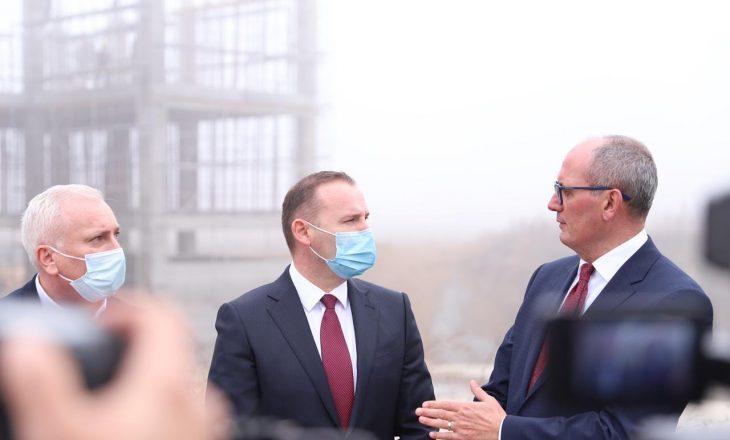 Zemaj: Punimet për spitalin e Ferizajit po vazhdojnë