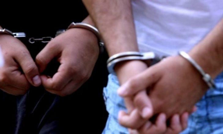Policia me aksion nëpër fshatrat e Lipjanit, 4 të arrestuar