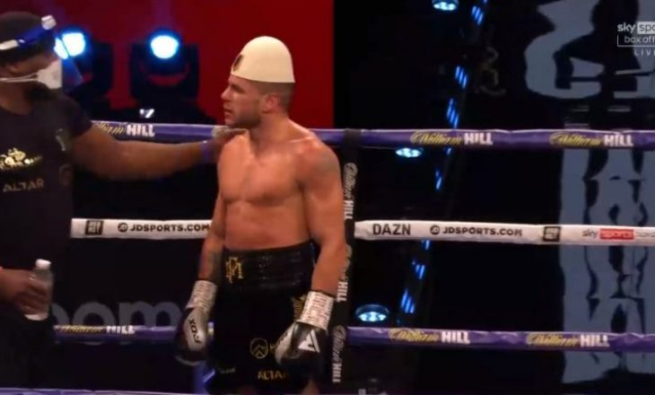 Florian Marku barazon ndaj Jamie Stewart