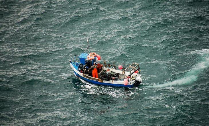 Korea e Veriut: Peshkatari ekzekutohet në publik – e zunë duke dëgjuar radio të huaj