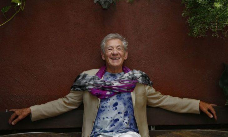 Aktori i famshëm i lumtur për injektimin e dozës së parë të vaksinës anti-COVID