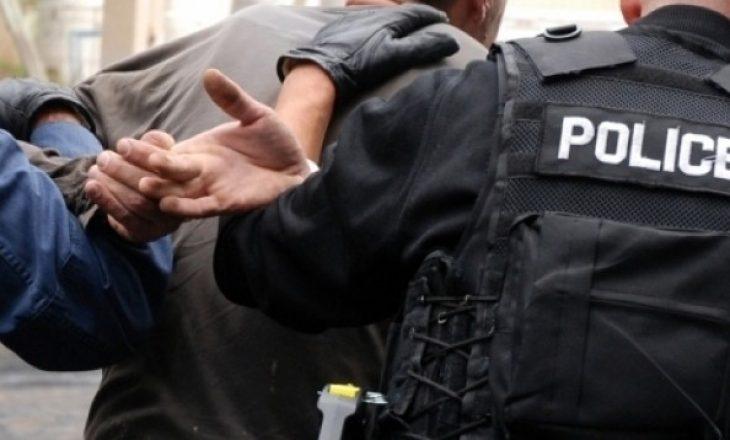 Arrestohen dy pronarët e një marketi në Gjilan, gjuajtën me armë zyrtarët policorë