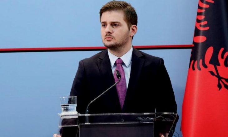 Gent Cakaj jep dorëheqje nga pozita e krye-diplomatit në Shqipëri