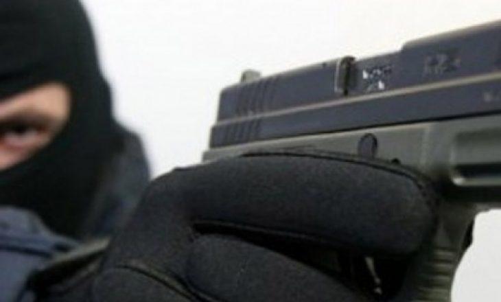 Grabitje e armatosur në Podujevë
