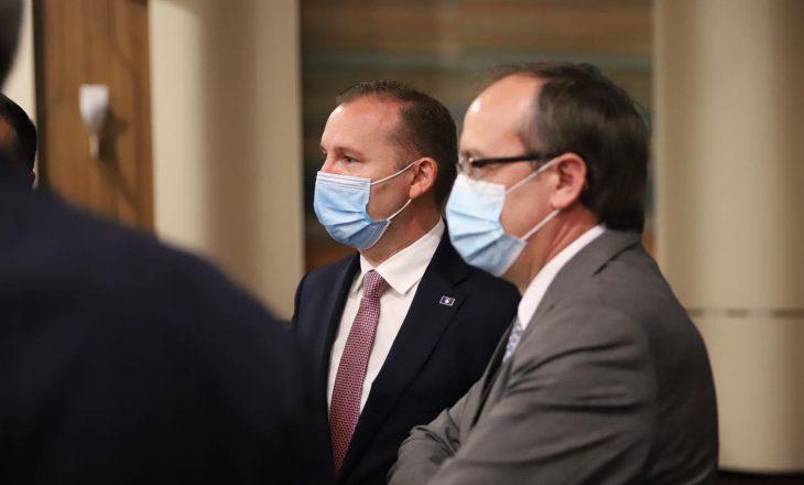 Menaxhimi i Pandemisë: Hoti e Zemaj bisedojnë sot me kryetarët e komunave