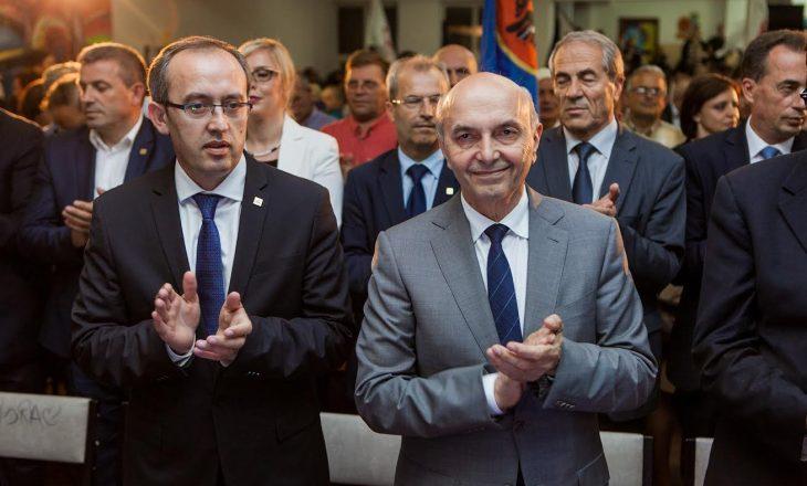 Hoti: Kryetari Mustafa po merret me takimin e partive për çështjen e presidentit
