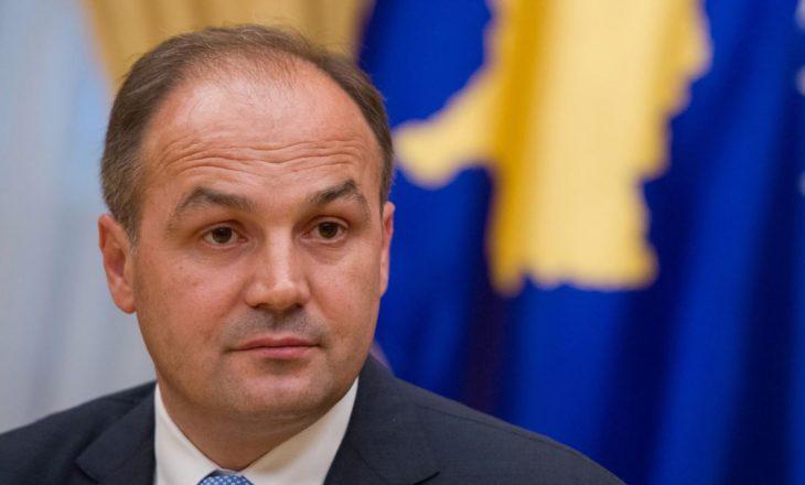 Hoxhaj: Qeveria po abstenon nga puna dhe përgjegjësia