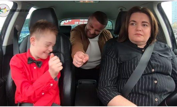 """Të famshmit surprizojnë fëmijët në videoklipin nga """"Ti barabartë Unë"""""""