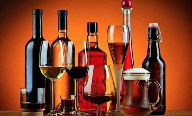 Këto janë moshat kur konsumimi e alkoolit është veçanërisht i rrezikshëm për trurin