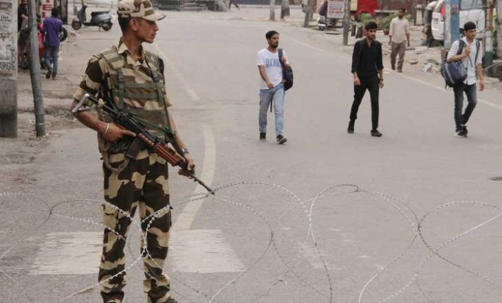 India arreston 75 persona në Kashmir pas zgjedhjeve lokale