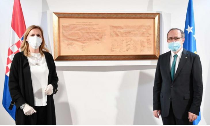 Ambasadorja kroate në Kosovë falënderon Hotin për ndihmën e ofruar