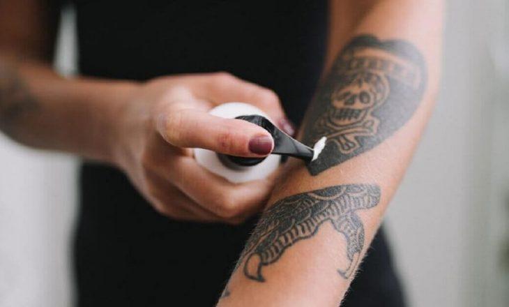Gjithçka duhet të dini për kujdesin ndaj një tatuazhi të ri