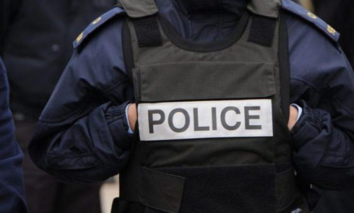 Sulmohet një zyrtar policor në Gjakovë
