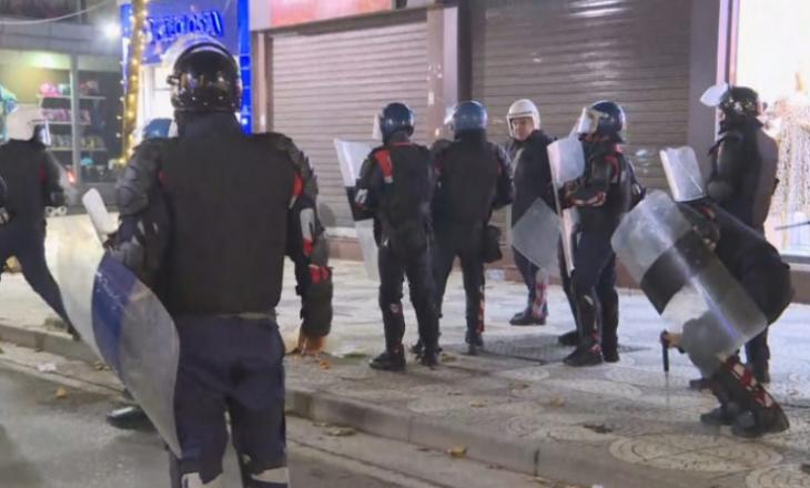 Shqipëri: Policia përdor gaz lotsjellës ndaj protestuesve