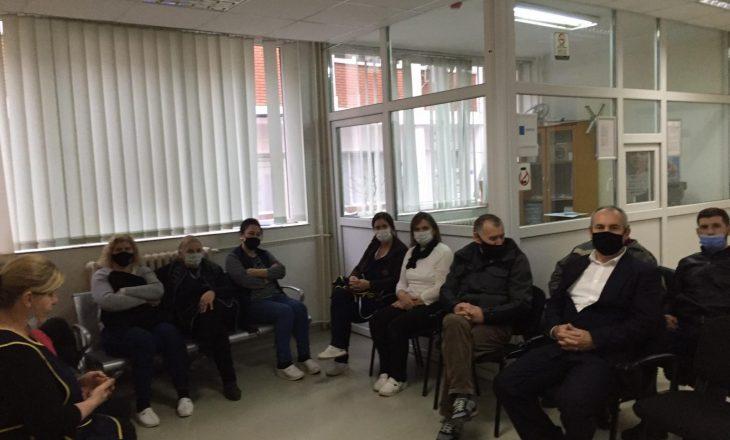 Punëtorët teknik në grevë – qeveria nuk ua ka paguar shtesat