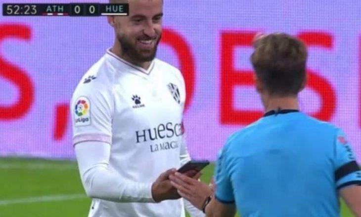 Lojtari i Huesca-s harron telefonin me vete