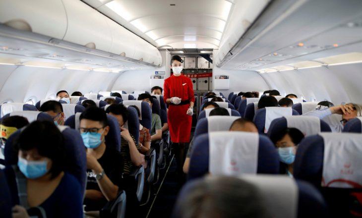Stjuardezët këshillohen të veshin pelena gjatë orëve të punës
