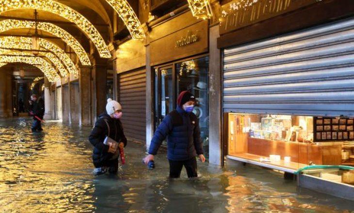 Venediku përmbytet – sistemi i ri i digave prej tetë miliardë dollarësh nuk u aktivizua