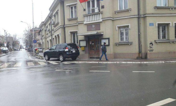 Jep dorëheqje asamblisti i PDK-së në Podujevë, akuzon kryesinë për nepotizëm