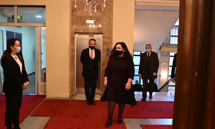 Osmani shërohet nga Coronavirusi, kthehet në presidencë