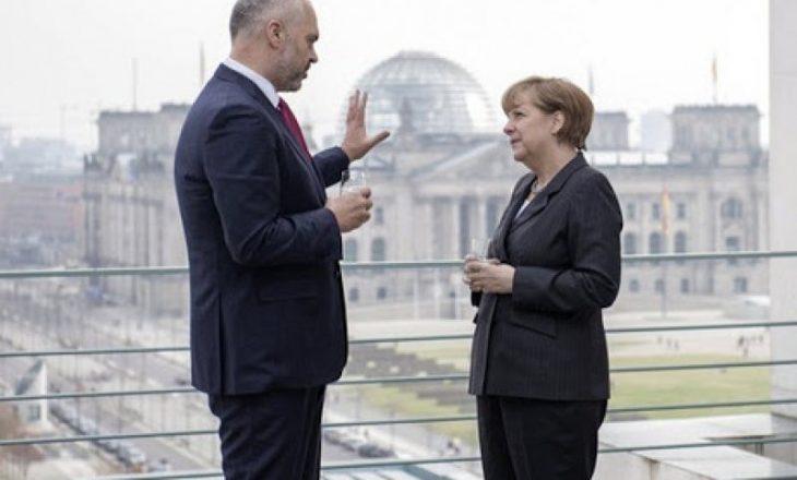 Merkel përgëzon Ramën për iniciativën e dialogut Turqi-Greqi