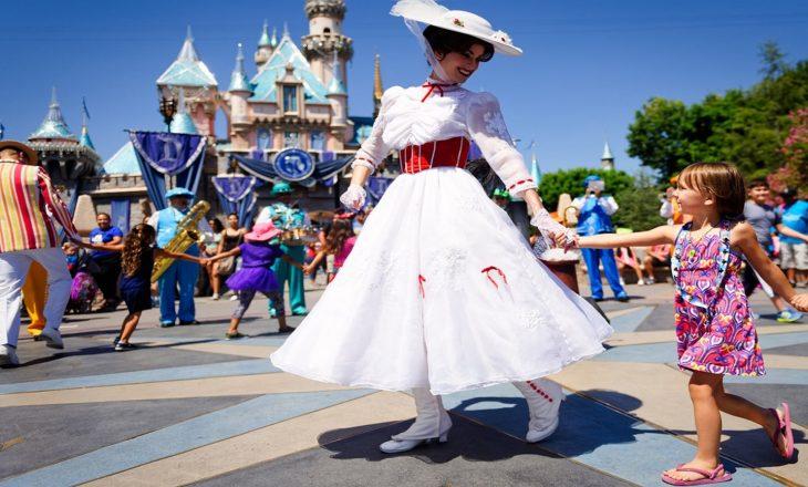 Disneyland tani do të shërbejë si një super-qendër vaksinimi