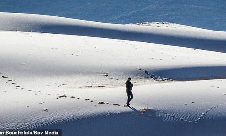 Një pamje e rrallë: Sahara mbulohet e tëra me dëborë