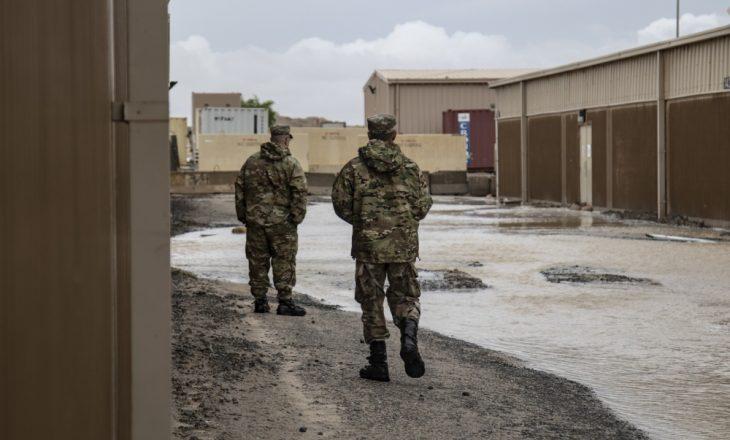 Një ushtar amerikan humb jetën në bazën ushtarake në Kuvajt